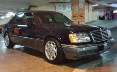 Mercedes-Benz 220E 2.2 Automatic 1994 Sedan dijual