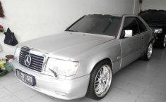 Jual mobil Mercedes-Benz 300CE 1991 Banten dijual