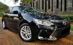 Toyota Camry V Facelift AT 2015 dijual