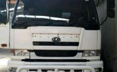 Nissan UD Truck 2012