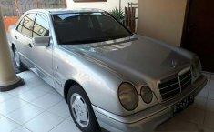 Mercedes-Benz 230E 1997 Dijual