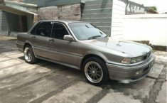 Mitsubishi Eterna 2.0 Manual 1992 Sedan dijual