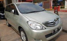 Toyota Kijang Innova V 2010