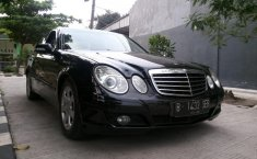 Jual mobil Mercedes-Benz E200K 2010
