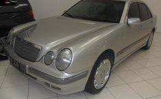 Mercedes-Benz 260E 2002
