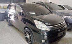 Toyota ISIS CBU Automatic 2005 Dijual