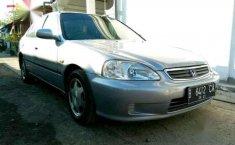 2000 Honda Ferio dijual