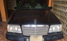 Mercedes-Benz E220 1995 DKI Jakarta MT Dijual