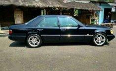 1990 Mercedes-Benz E300 Dijual