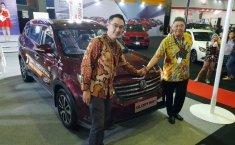 Sama-sama Produk Pertama, Penjualan DFSK Glory 580 Kalah Jauh Dari Wuling Confero S