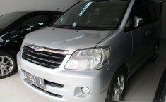 Toyota Noah 2004 Dijual