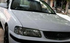 2000 Nissan Sunny Dijual