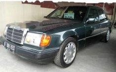 Mercedes-Benz 230E W124 1991 Sedan dijual