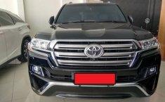 Toyota Land Cruiser V8 D-4D 4.5 Automatic 2017 Dijual