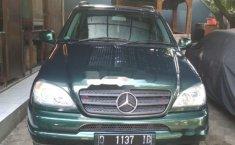 Jual mobil Mercedes-Benz ML320 2001 Dijual