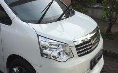 Jual mobil Toyota NAV1 V 2013