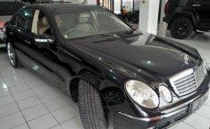 Mercedes-Benz 260E 2004