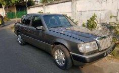 Mercedes-Benz 300E MT Tahun 1991 Dijual
