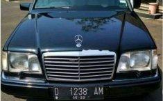 Mercedes-Benz 300E W124 3.0 Automatic 1990 Sedan Dijual
