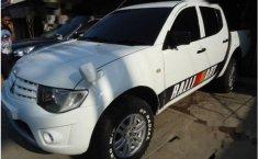 Mitsubishi Strada Triton GLX 2012 Putih dijual