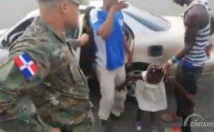 Terlihat Kelebihan Beban, Ternyata Ada 18 Orang di Dalam Taksi di Afrika Selatan