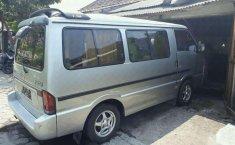 Mazda E2000 Van MT Tahun 2000 Dijual