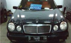Mercedes-Benz E230 E230 1997 Sedan
