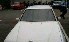 Mercedes-Benz E230 AT Tahun 1992 Dijual