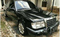 Mercedes-Benz 230E W124 1992 Sedan dijual