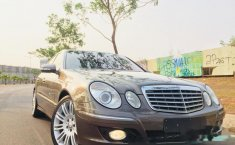 Mercedes-Benz E280 W211 2009 Sedan dijual