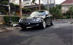 Mercedes-Benz E260 E260 2004 Sedan dijual