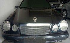Mercedes-Benz E230 W210 2.3 Automatic 1997