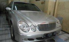 Mercedes-Benz E260 E260 2004 Dijual