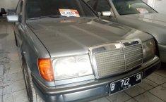 Mercedes-Benz 300E W124 1992