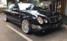 1997 Mercedes-Benz E230 Dijual