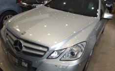 Mercedes-Benz E250 CGI Avantgarde 2011