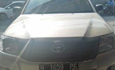 Toyota Hilux 2.0L S-Cab NA 2012