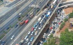 Efek Promo Bensin Murah, Kemacetan Parah di Jalan TB. Simatupang