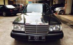Mercedes-Benz 300E W124 3.0 Automatic 1990 Dijual