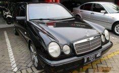 Mercedes-Benz E230 AT 1997