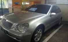Mercedes-Benz C240 W203 2.6 V6 Sedan AT 2003