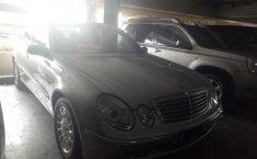 Mercedes-Benz E260 AT 2004
