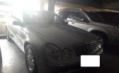 Mercedes-Benz E260 Classic 2004 Dijual