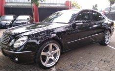 Jual Mercedes Benz E-260 2004