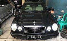 Mercedes-Benz E230 W210 2.3 Automatic 1996 Dijual