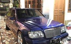 Mercedes-Benz 220E 2.2 Manual 1994 Dijual