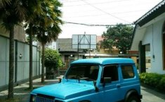 Suzuki Jimny 1984 biru