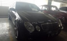 Mercedes-Benz E200 2.0 Automatic 2004 Dijual