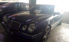 Mercedes-Benz E230 A/T 1997 Dijual