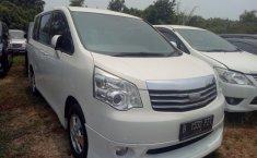 Toyota NAV1 V A/T 2013 Dijual